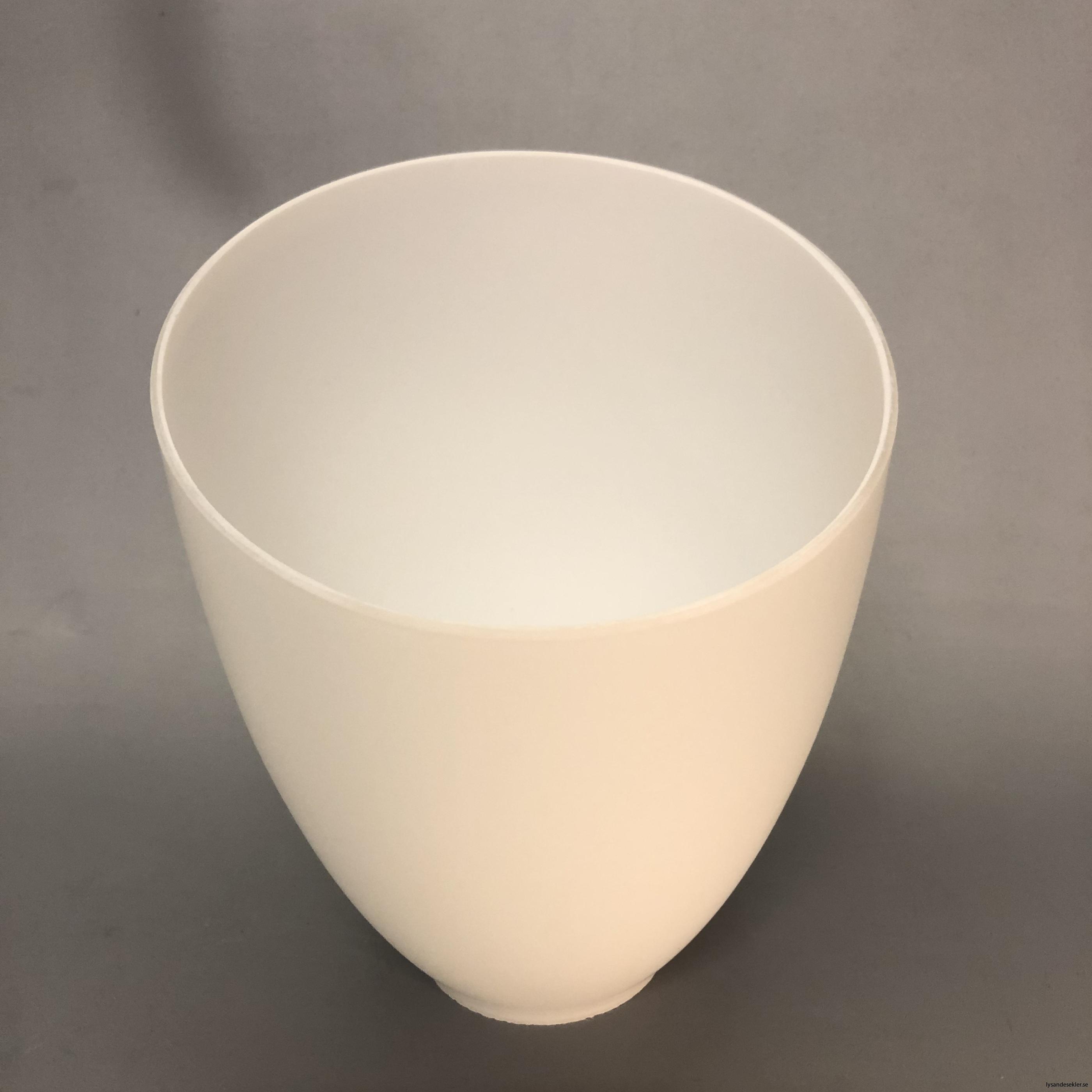 snedskuren lampskärm med hål i matt glas5
