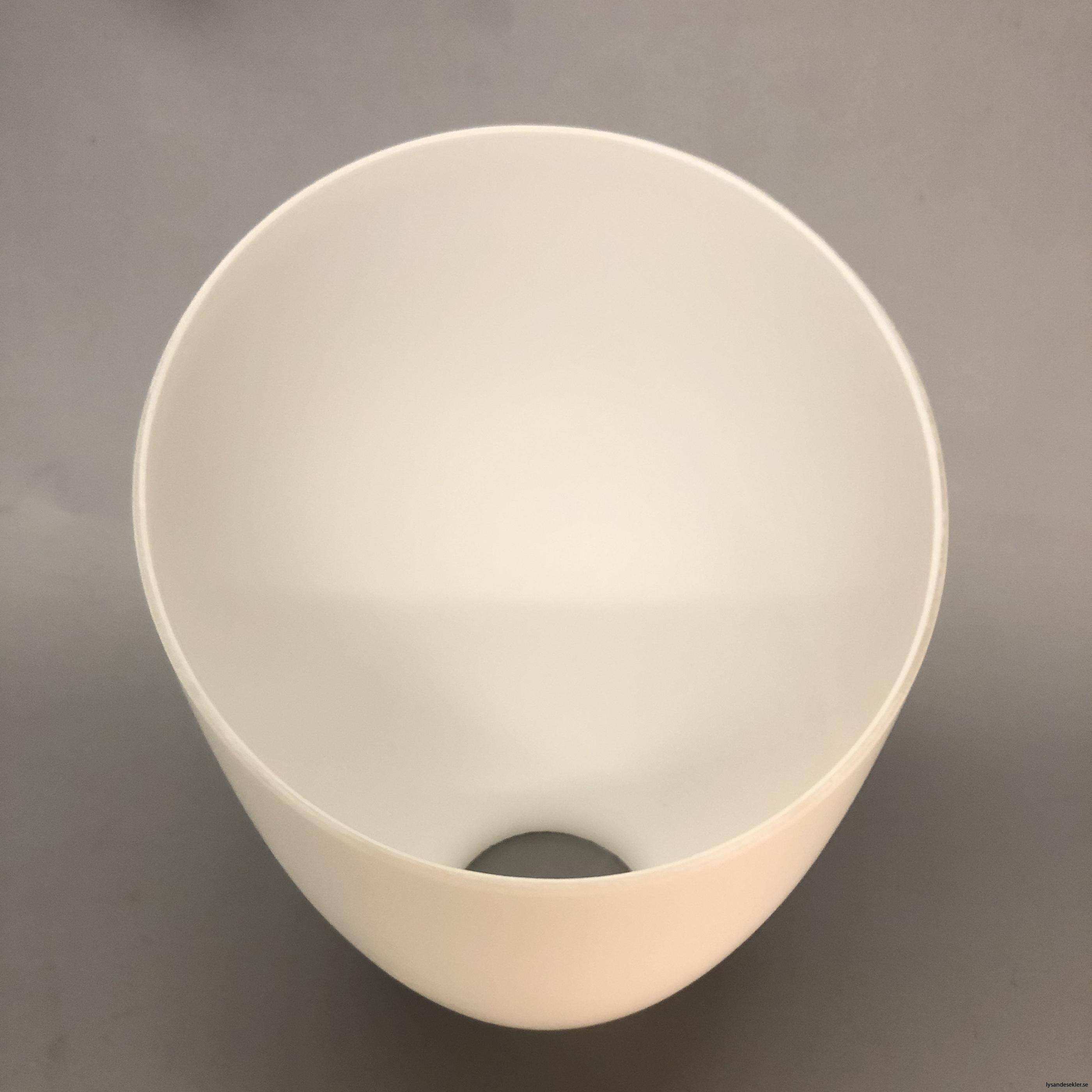 snedskuren lampskärm med hål i matt glas6