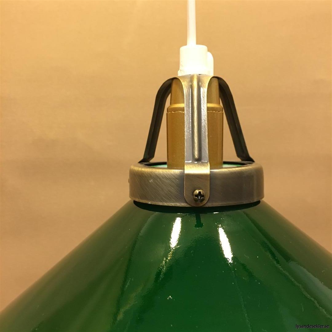 grön skomakarlampa mörkgrön