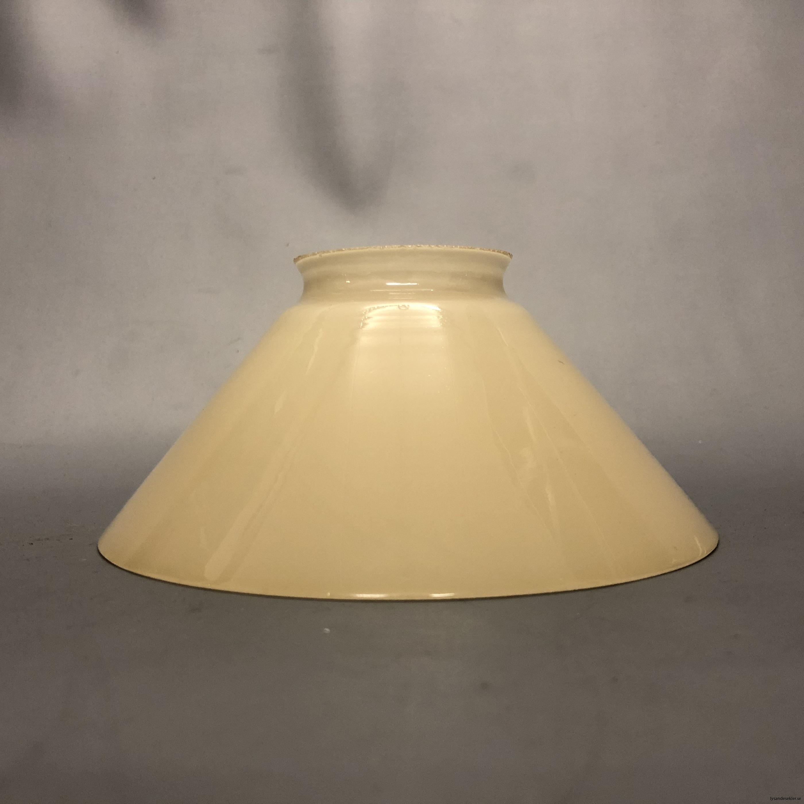 gul skomakarlampa skomakarelampa vanilj beige27