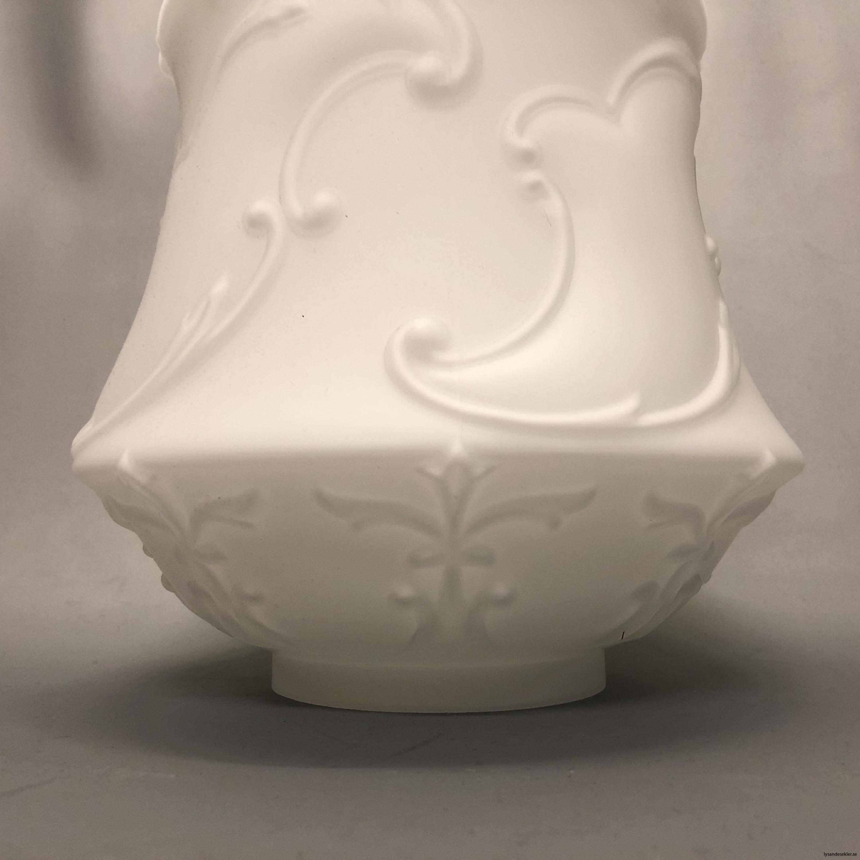 matt vit tulpankupa till fotogenlampa 11