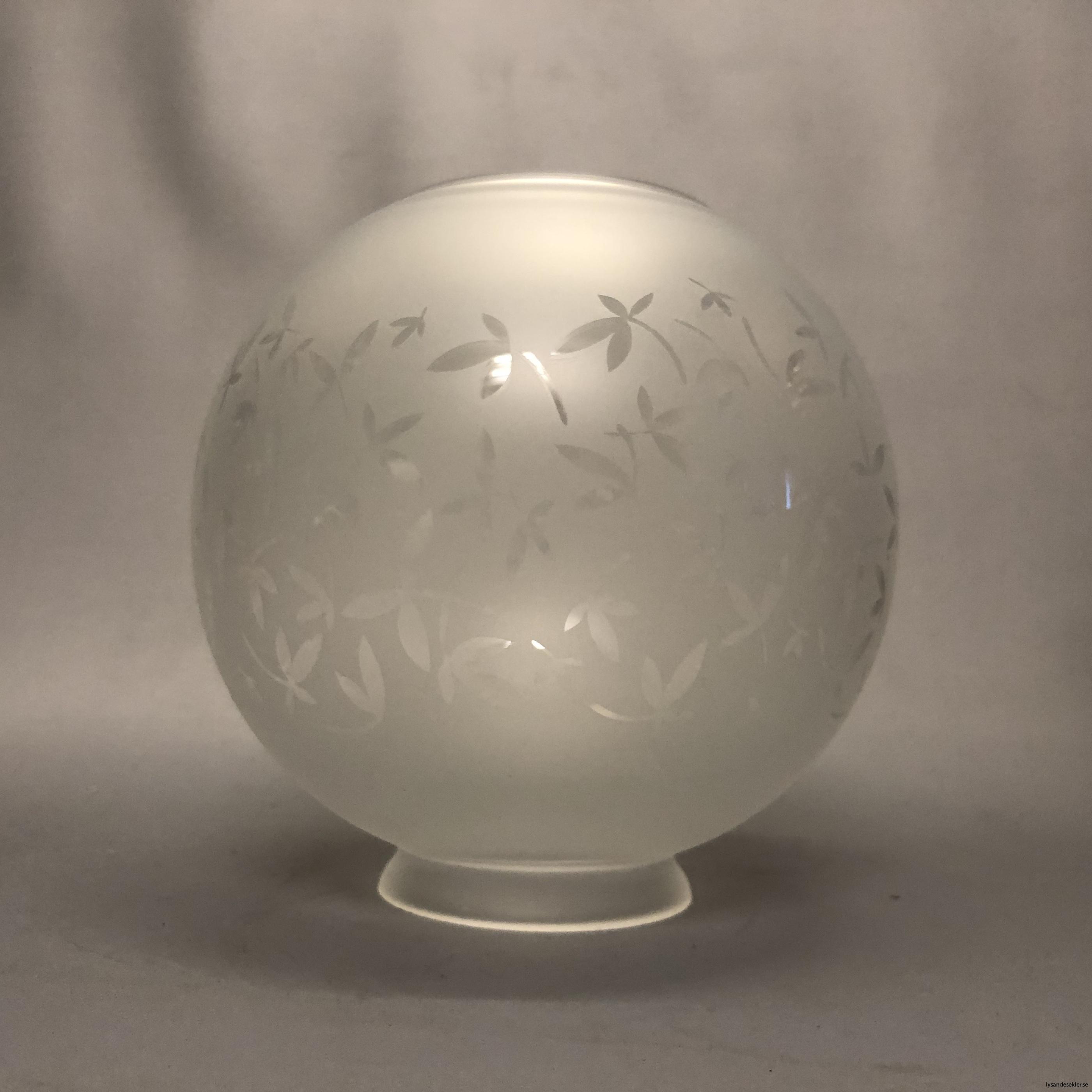 klotkupa liten frostad ornamenterad med blad12