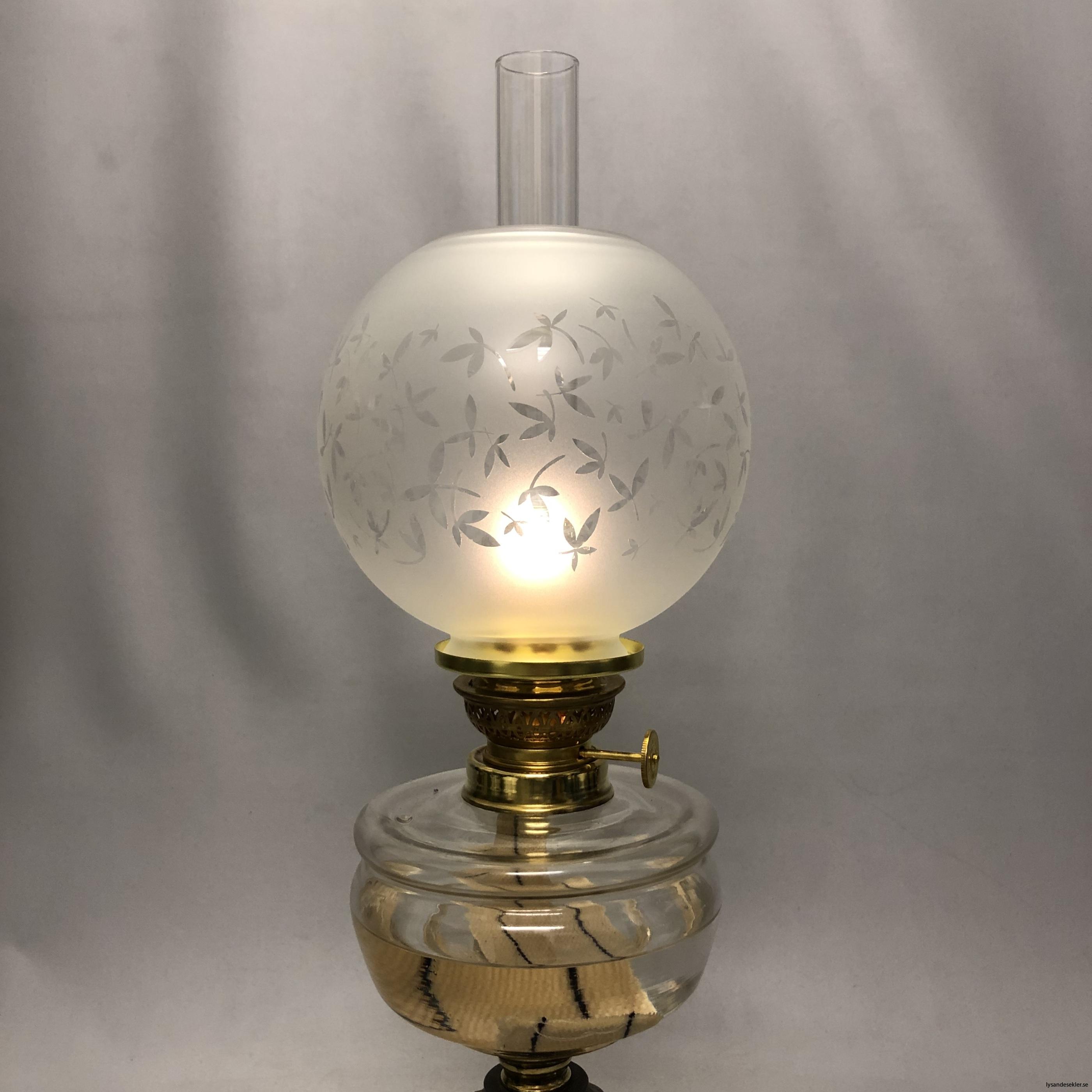 klotkupa liten frostad ornamenterad med blad3
