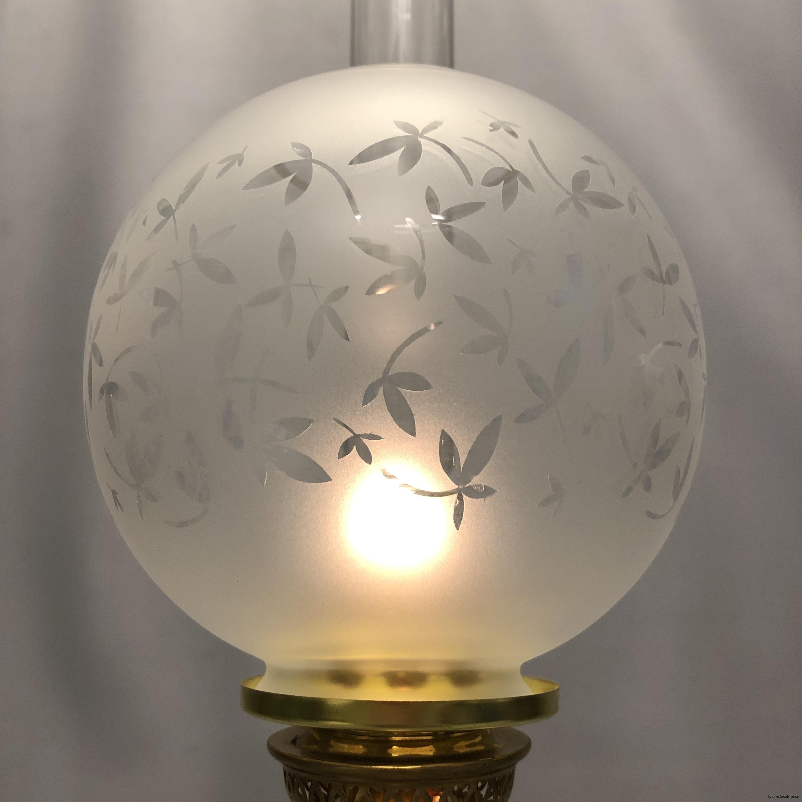 klotkupa liten frostad ornamenterad med blad5