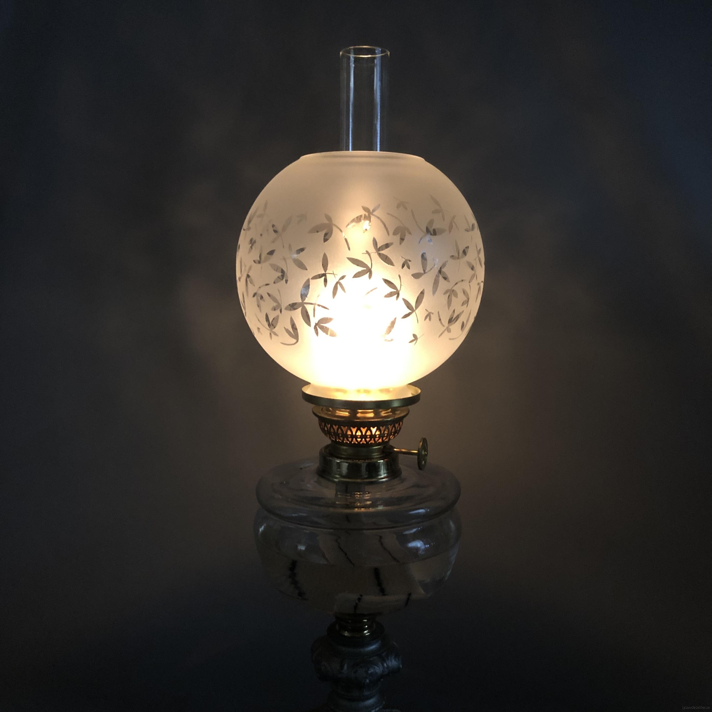klotkupa liten frostad ornamenterad med blad9