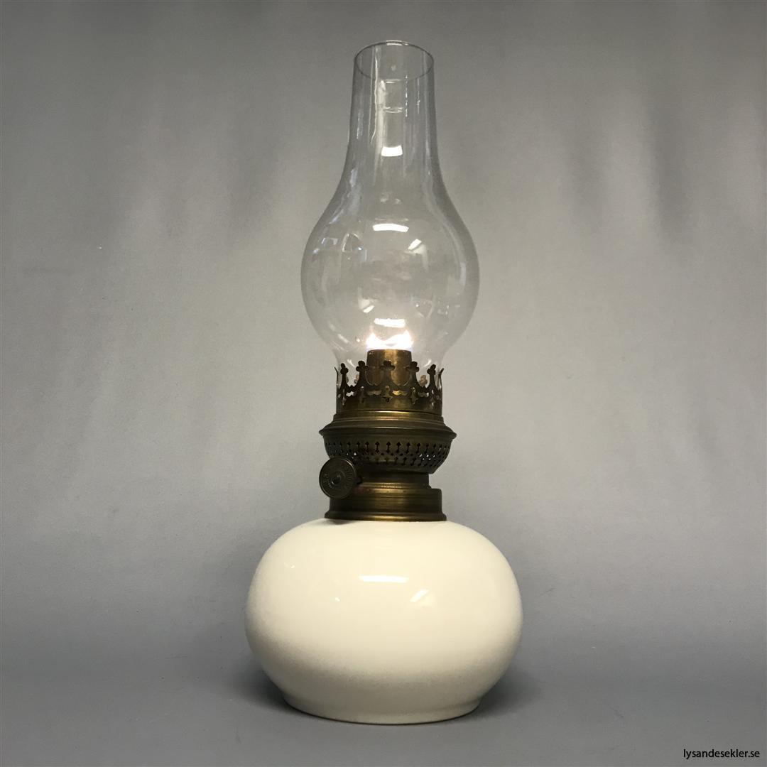 kort lökformat lampglas till fotogenlampa