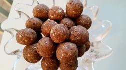 Raw pepparkaksbollar. Fri från  raffinerat vitt socker, mjölk och vete.
