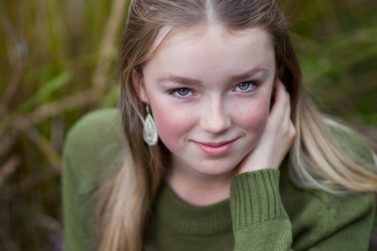 Fotograf Brigitte Grenfeldt, porträttfoto, porträttfotograf Stockholm, barnfotograf, utomhus,