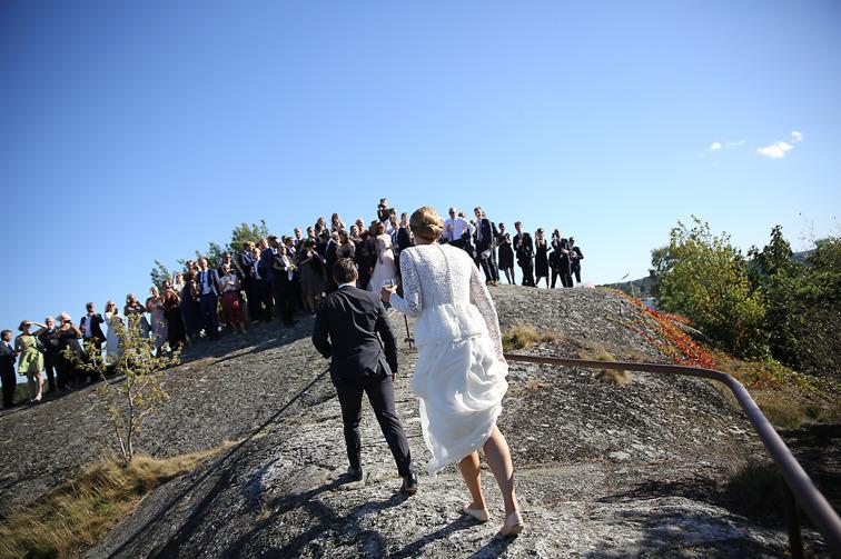 Fotograf Brigitte Grenfeldt, bröllopsfoto, Bröllopsfotograf, Dalarö kyrka, Fotograf Stockholm, bröllopsreportage, weddingphotographer, Lotsberget Dalarö