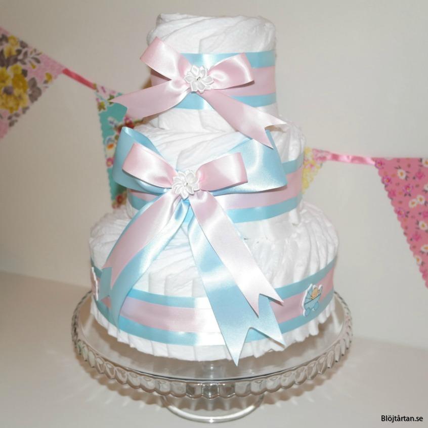 blöjtårta diapercake rosa blå blöjtårtan sverige blöjtårtan.se med pampers stl 2 (vita blöjor)