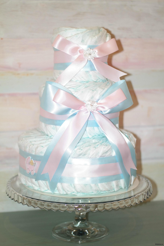 rosa/blå blöjtårta med pampers stl 3 (mönstrade blöjor)