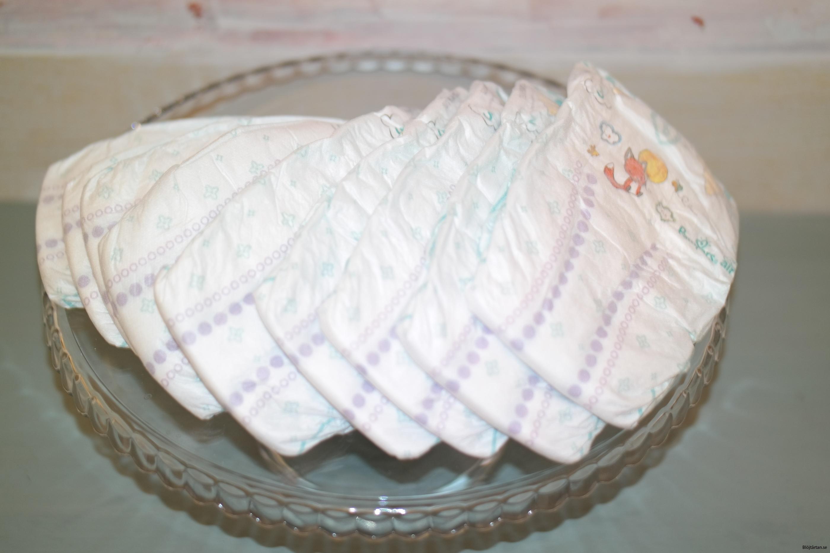 Pampers baby dry stl 3, mönstrade blöjor med grön kant