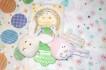 Present till babyn- Skallra Teddykompaniet Diinglisar katt och kanin