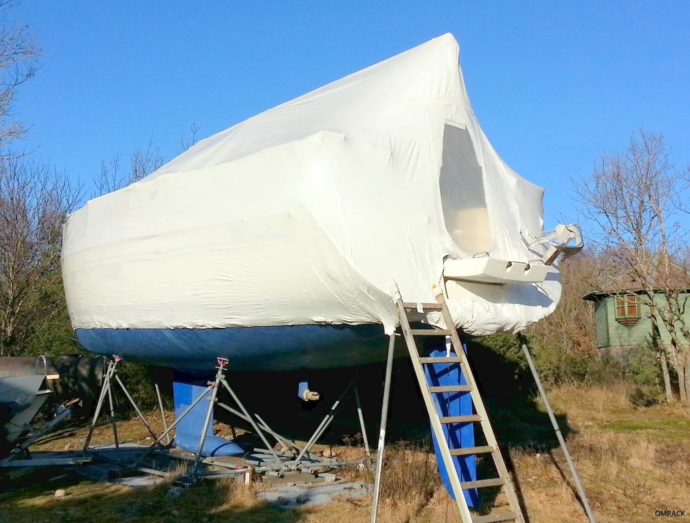 båt med vinterskydd
