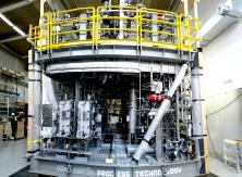 En turbingenerator anläggning för att utvinna elektricitet från spillenergi vid raffinering av olja