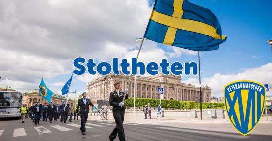 Stolta veteraner paradera genom Stockholm