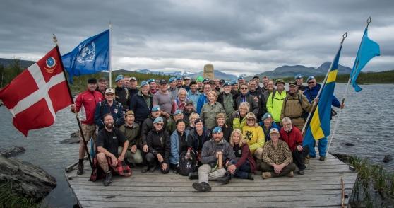 Över femtio veteraner och anhöriga tog sig på den sista etappen till Treriksröset. Foto: Kim Svensson