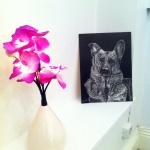 En närbild på dekorblomman, samt en skrapplatta på vår hund Casper som jag gjorde för ca 3år sedan.