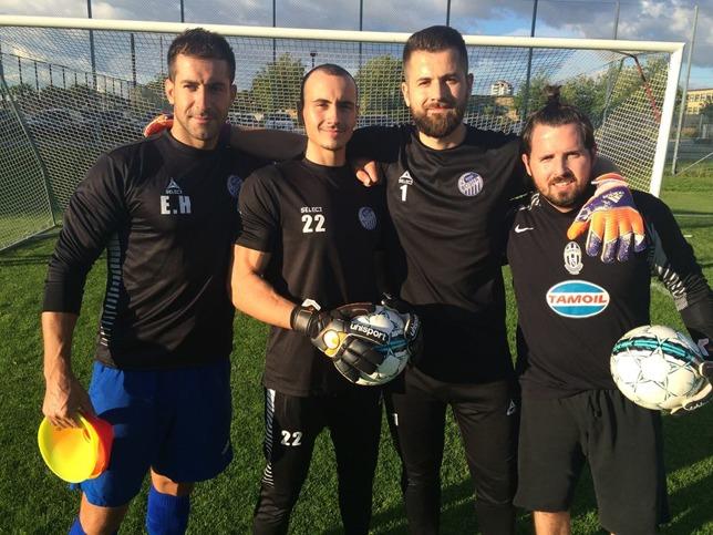 Målvaktstränare Ernes Haracic med målvakter Emil Zundja, Elvedin Smajlovic och Edin Turcinhodzic.