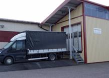 Ett fordon utanför vår mekaniska verkstad i Hogstad.