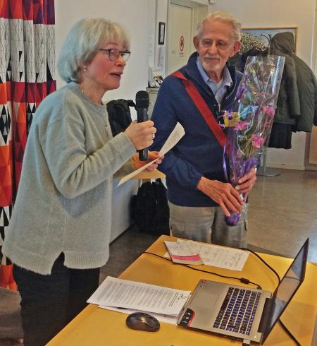 Åke Wilhelmsson avtackas efter lång och trogen tjänst i styrelsen.