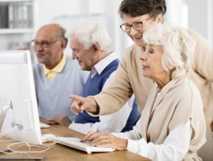 SeniorNet Lidingö (SNL) är en ideell förening där seniorer lär seniorer att använda digital teknik. Välkommen till oss!