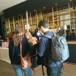 Roea blir intervjuad