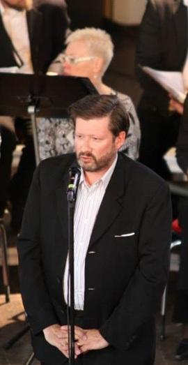Programmet presenteras av Ian Plaude, Kammarkörens dirigent.