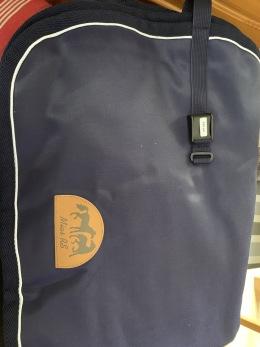 Ländtäcke i bävernylon - Marint med vit passpoal, stl 145 cm