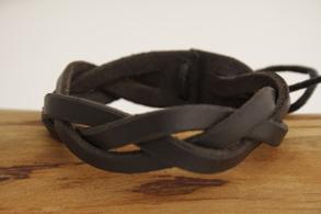 Mystery - läderarmband - 15 centimeter