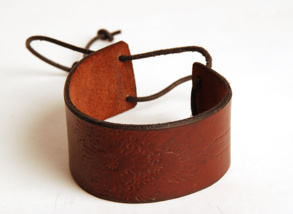 Brett läderarmband A long the road - 15 cm
