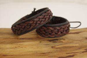 Flätat armband brun/kastanj