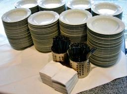 Porslin som går att hyra när du beställer catering