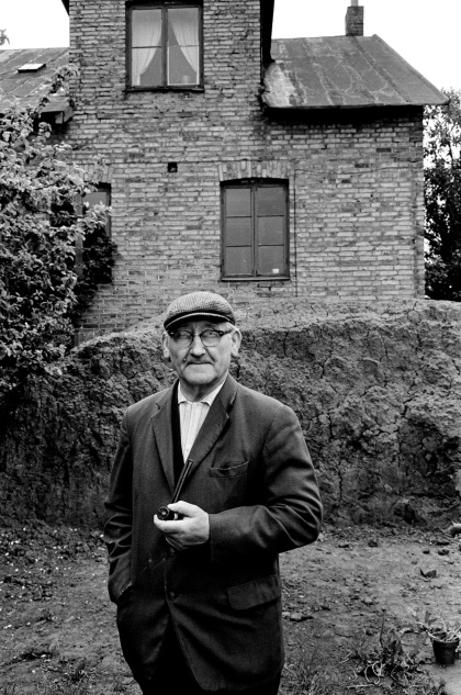 Olof Nilsson drev tillsammans med Hugo Anderberg Raus stenkärlsfabrik sedan efter fabrikören Ludvig Alfred Johnssons död.