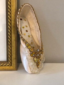 Golden Point Shoe