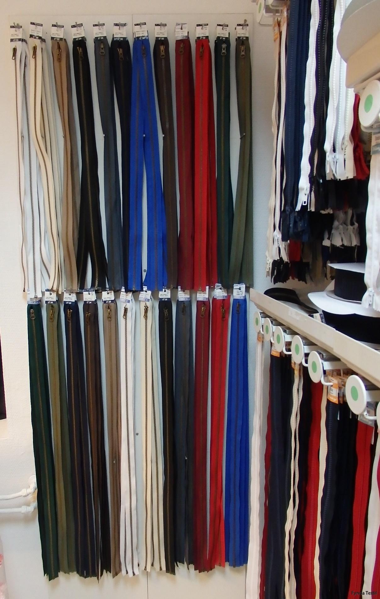 Vi har även delbara dragkedjor (i samma färgskala) i 60 samt 80 cm