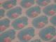 Vävt bomullstyg - Ljusblå och rosa katter på vit botten