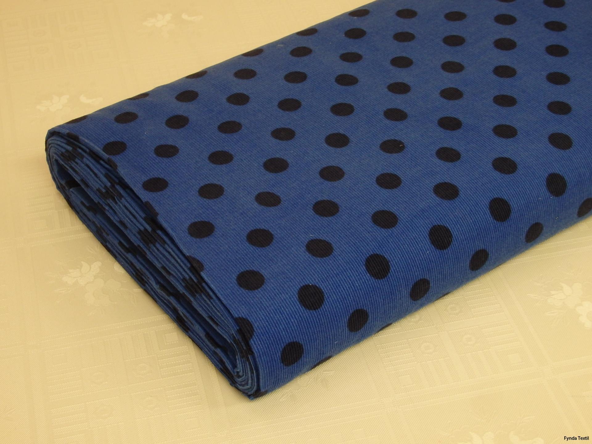 Marinblå prick på klarblå botten
