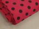 Finspårig babycord manchester Välj färg - Brun prick på hallonröd botten