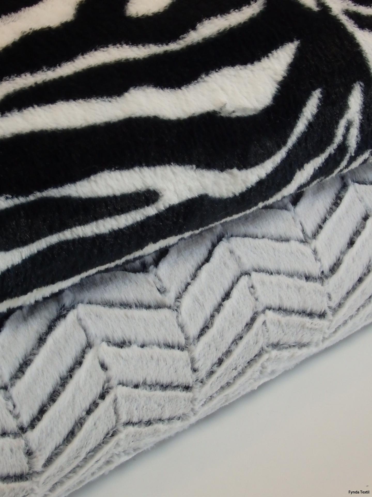 Svart-vit zebra och vintervit chevron