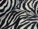 Lyxig pälsimmitation - Välj mellan vintervit chevron eller svart-vit zebra - Svart-vit zebra