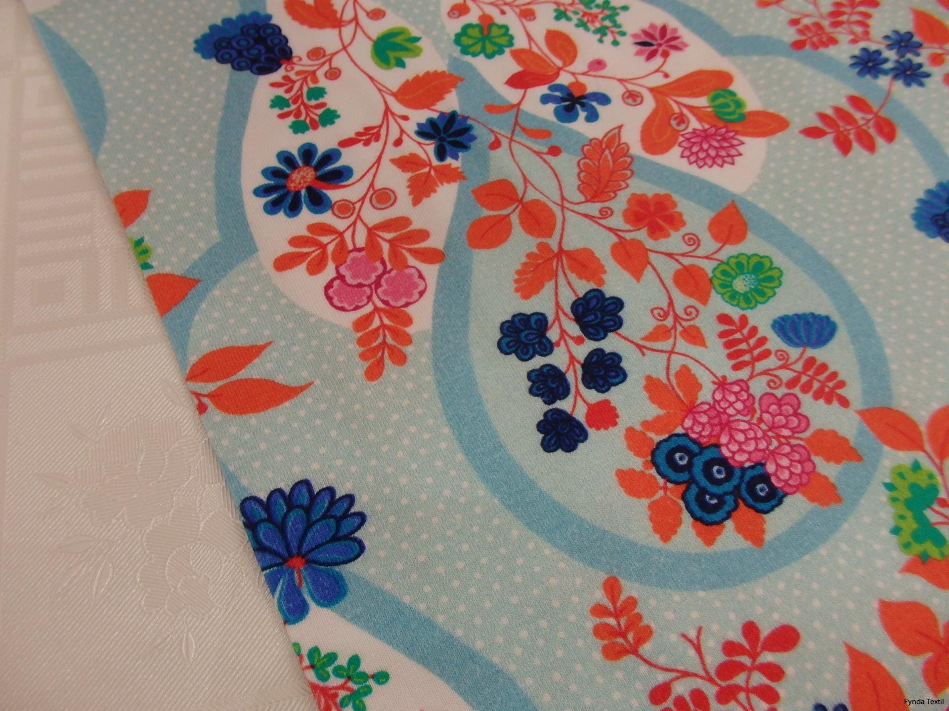 Flora ljusblå