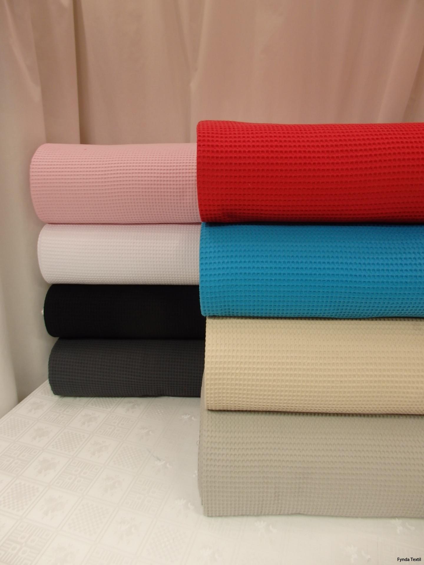 Rosa, vit, svart, mörkgrå, röd, turkos, beige och grå