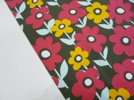 Bomullstrikå - Retro blomma Cerise/brun Ökotex -