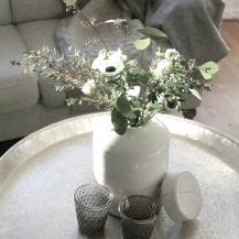 Vit keramik urna