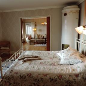 Sovrum och allrum i Villan