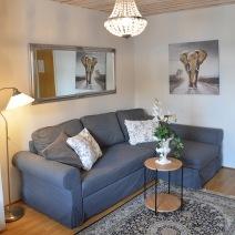 Beskuren 12 med soffa