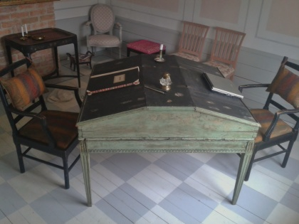"Gustavian writing desk for two. See more pictures on next page ""Bilder/Pictures""!"
