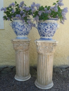 """Piedestals wood. More pictures on next page """"Bilder/Pictures""""!"""