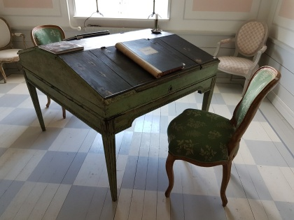 """Gustavian twin writing desk. More pictures on next page """"Bilder/Pictures""""!"""